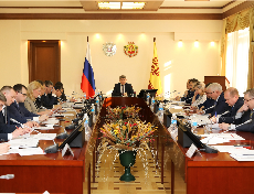 Олег Николаев провел заседание Правительственной комиссии по вопросам расчетов за поставленные топливно-энергетические ресурсы